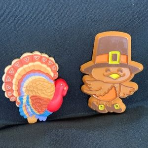 2 Hallmark Thanksgiving Brooch Pins Turkey & Bird